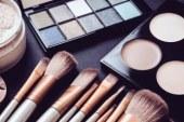 Momen Terlarang Menggunakan Make Up