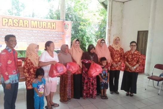 Dharma Wanita Persatuan Provinsi Gelar Pasar Murah