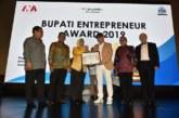 Bupati Kotawaringin Barat Raih Entrepreneur Award 2019