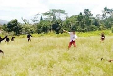 Edan, Siswa SD Tawuran di Lapangan Terbuka, Saling Serang dengan Senjata Tajam