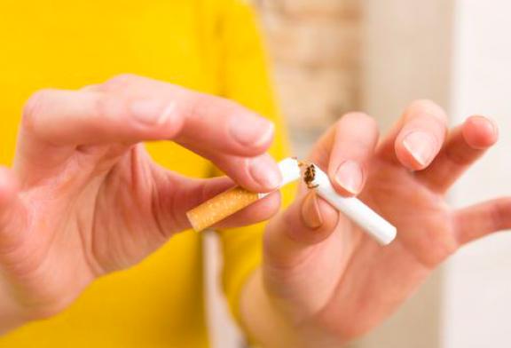 Benarkah Berhenti Merokok Bisa Mencegah Tertulari Virus Corona?